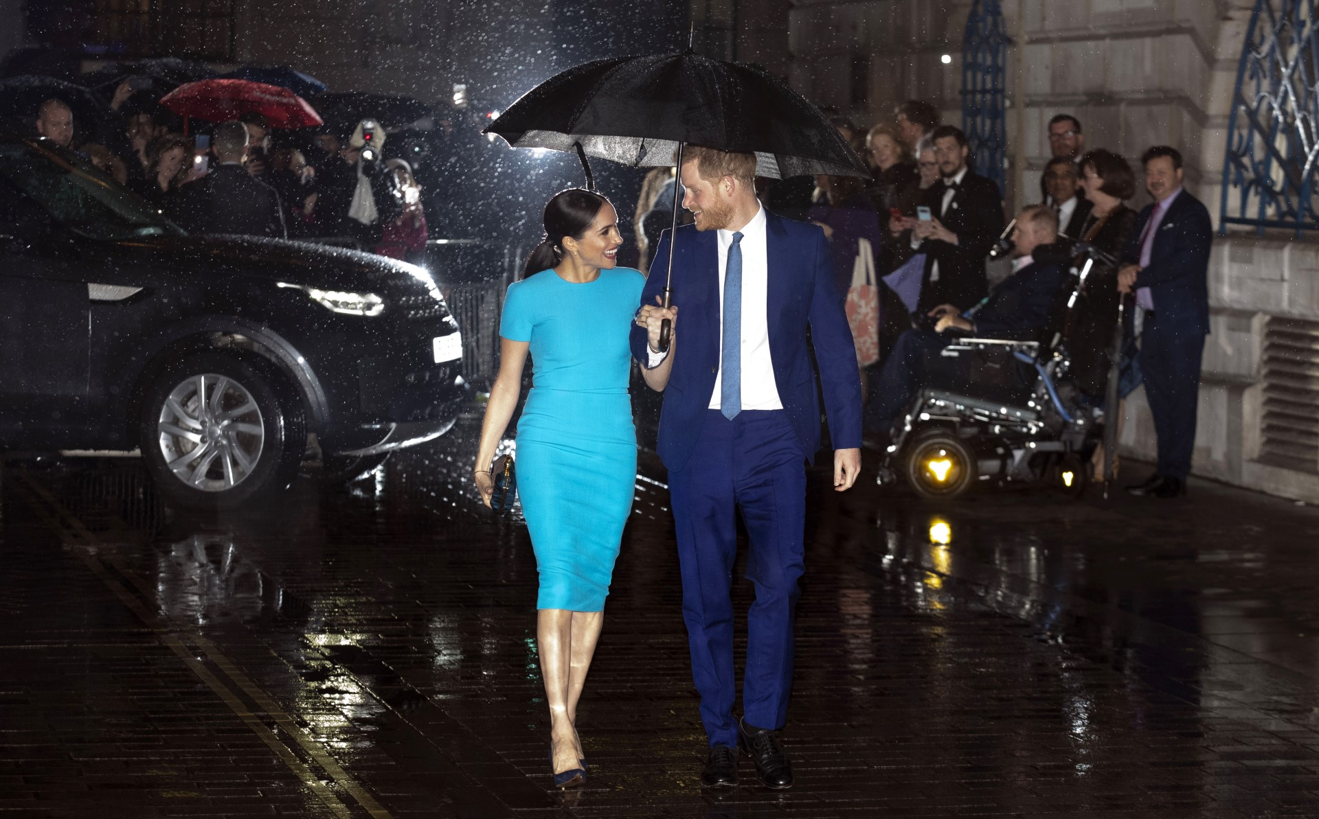 Dumping British tabloids, Harry and Meghan complete their Royal Exit