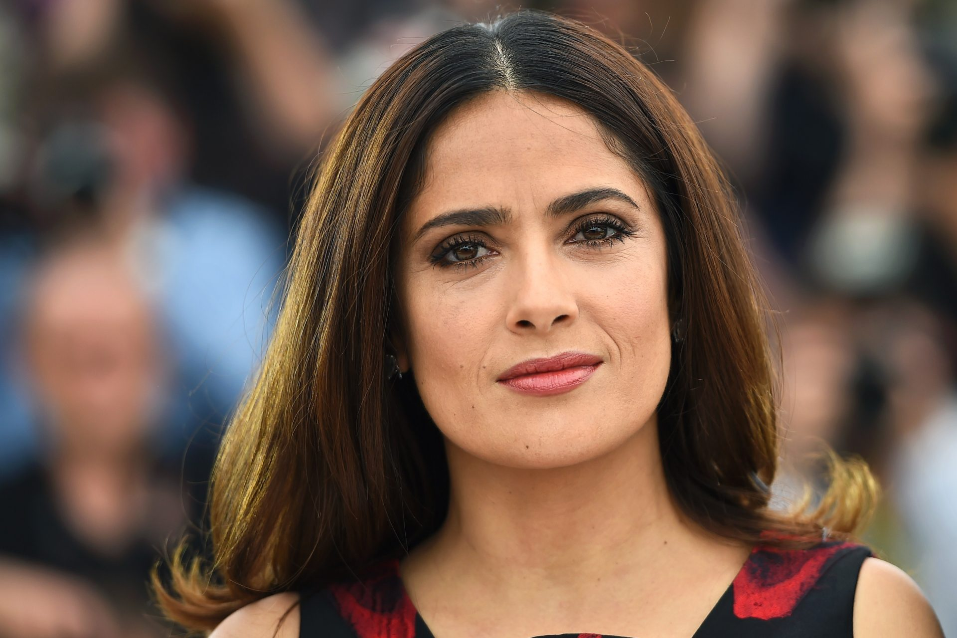 """Salma Hayek survived COVID-19 but felt awful: """"I'd rather die at home"""""""
